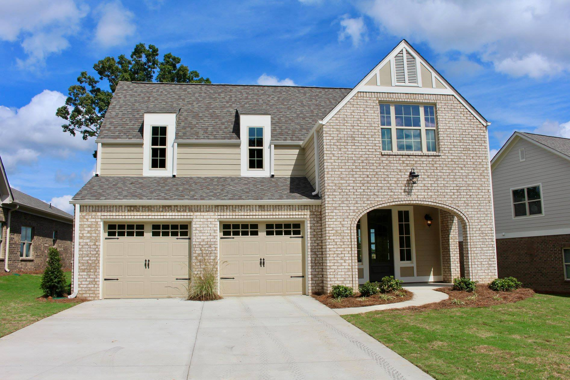 Learn why more homebuyers are choosing new construction homes in Birmingham by Tower Homes