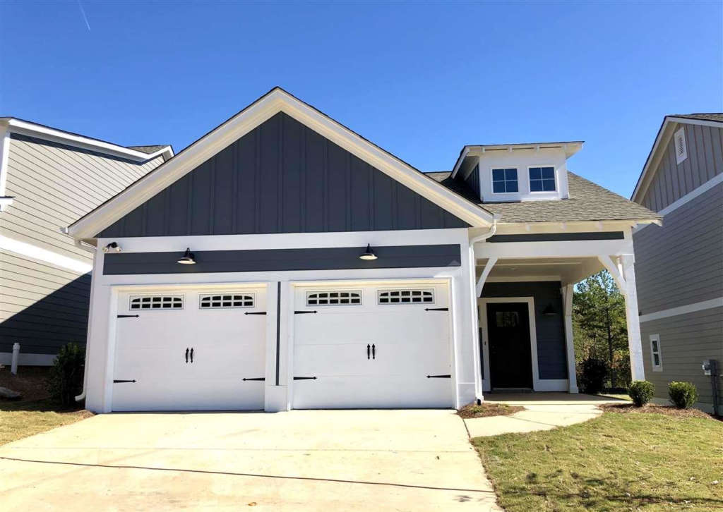A move-in ready home in Oxmoor Village
